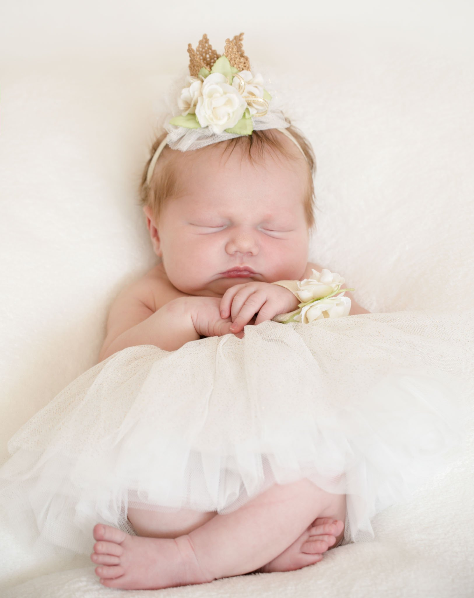 Newborn session with baby Anwen, five days new, Tania Mller Photography, Pontypool Newborn Photographer