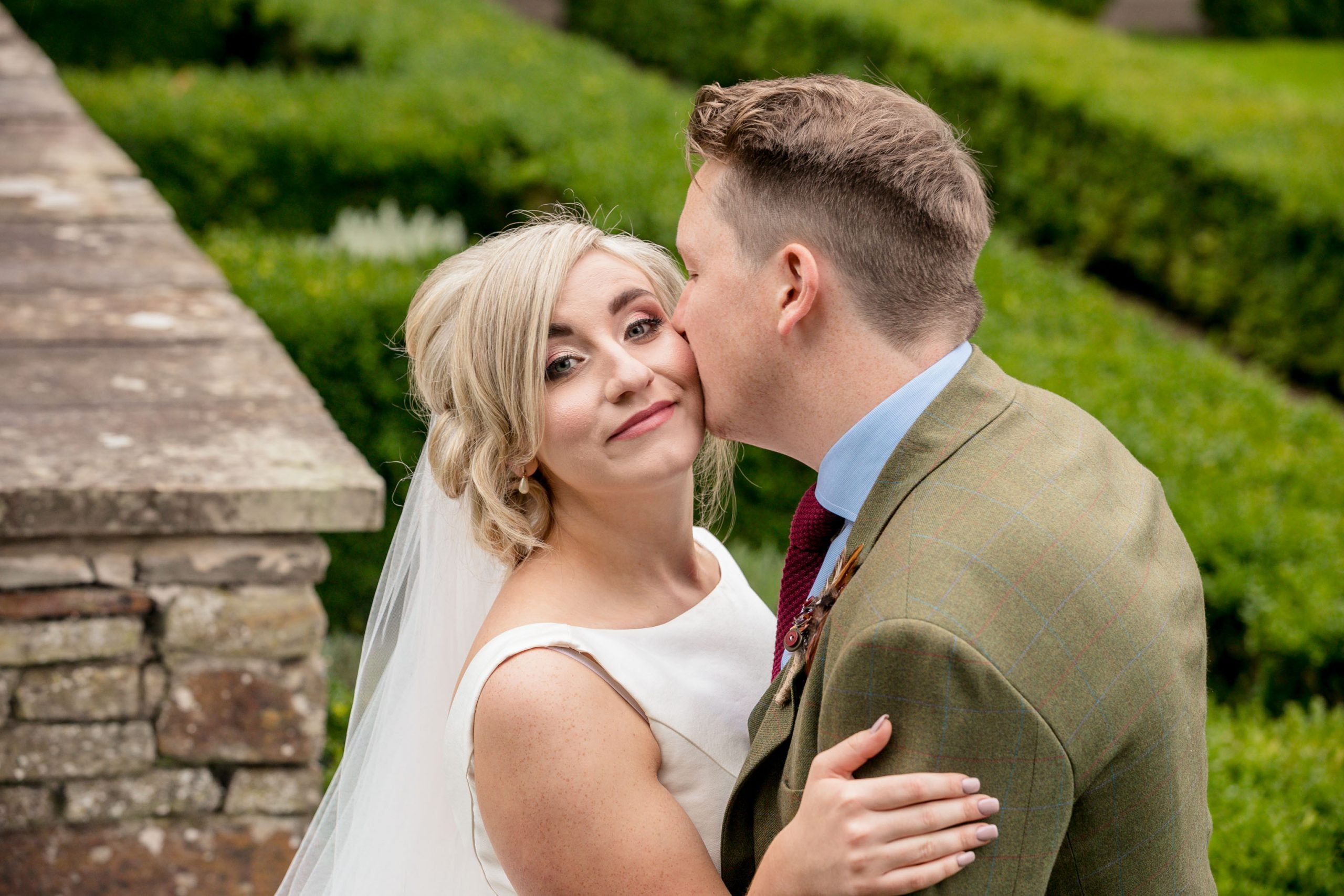 Wedding of Sam & Jaz at Llancaich Fawr, Tania Miller Photography, Caerphilly Wedding Photographer