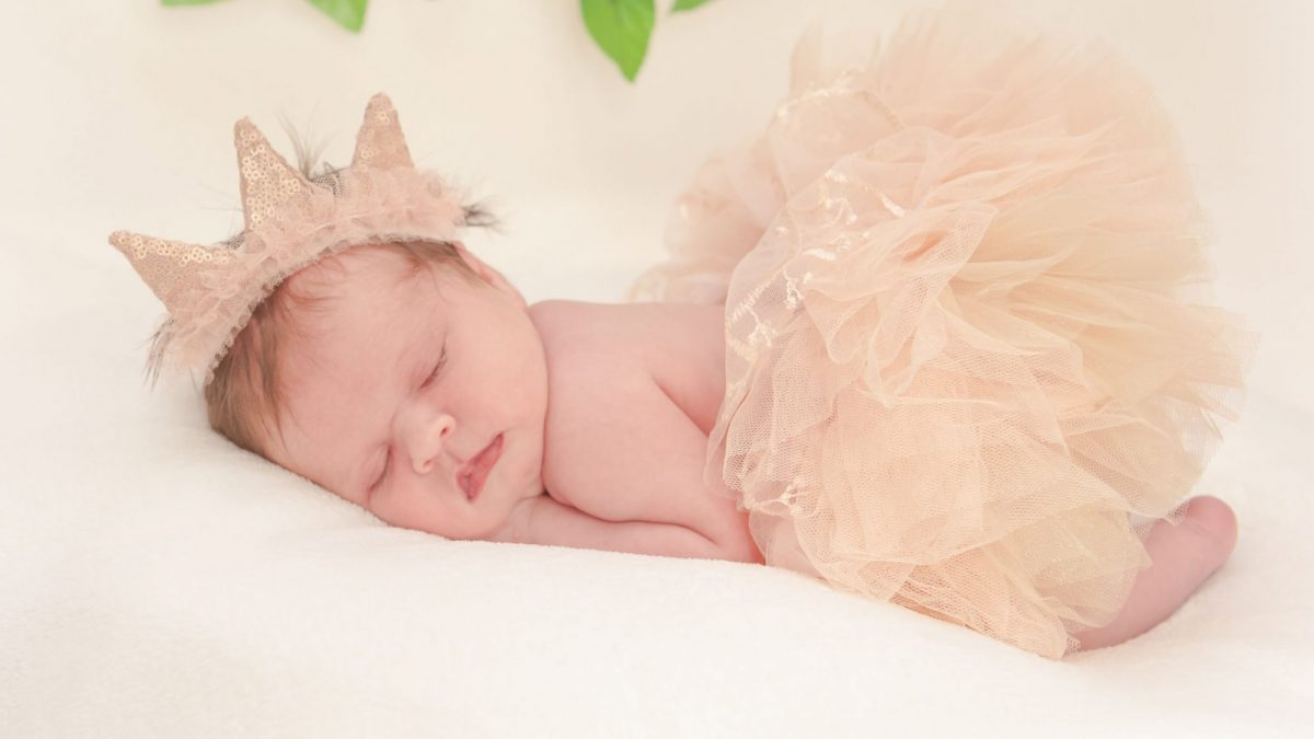 Newborn session with 14 day old bay Pheobe