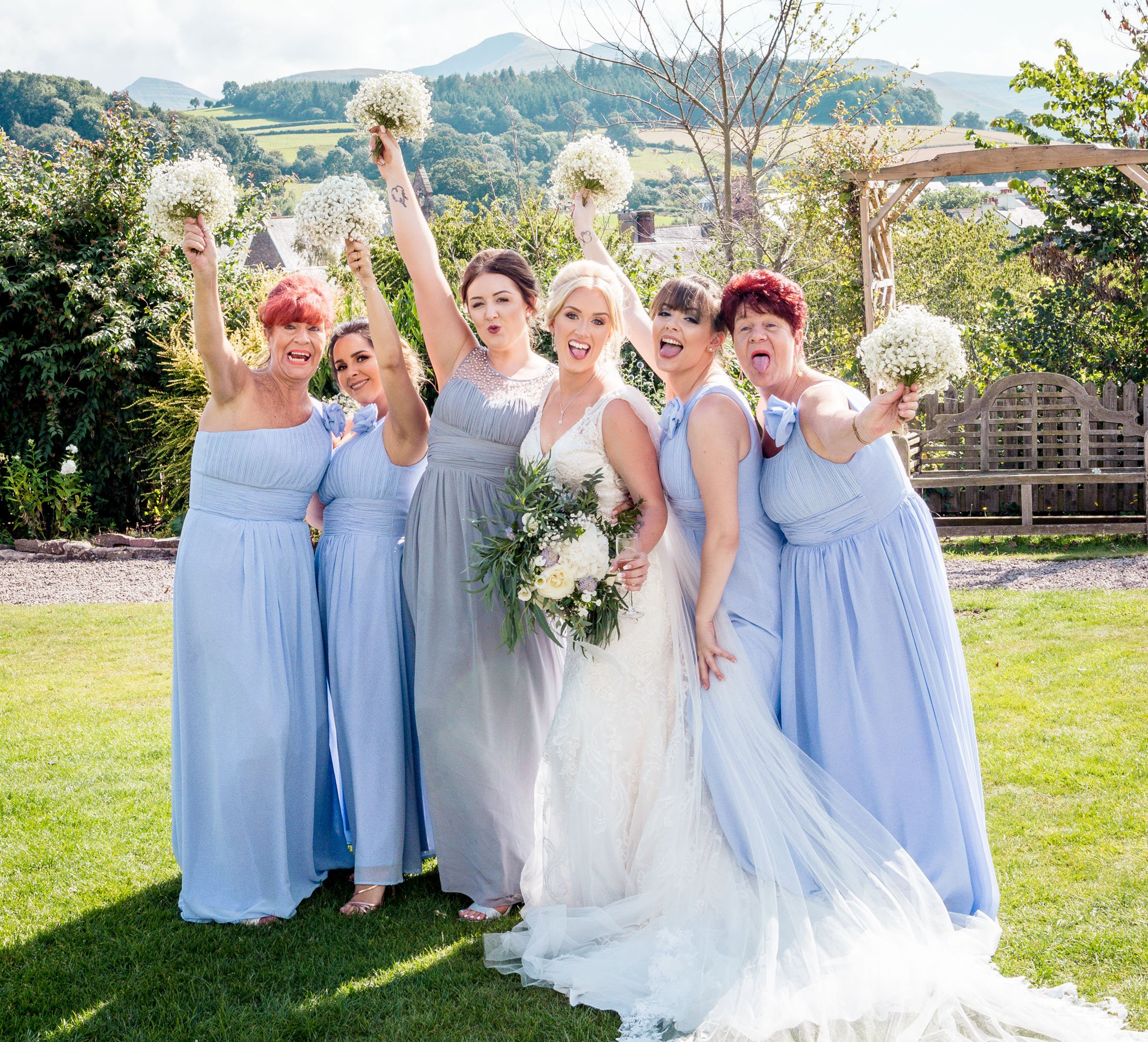 Brecon Castle Hotel Wedding, Tania Miller Photography, Brecon Wedding Photographer