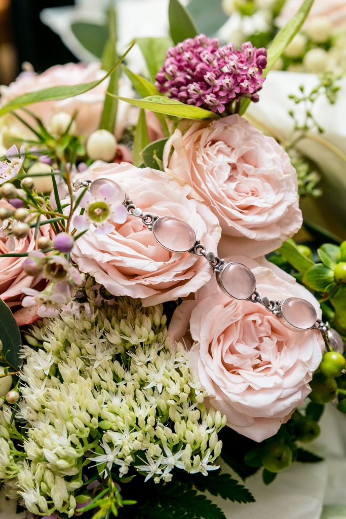 Brides flowers & jewellery, Tania Miller Photography