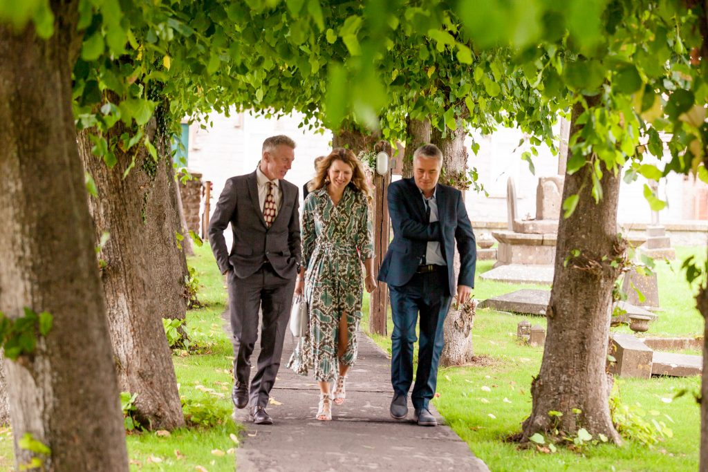 Wedding of Emma & George, Guests arriving, Tania Miller Photography