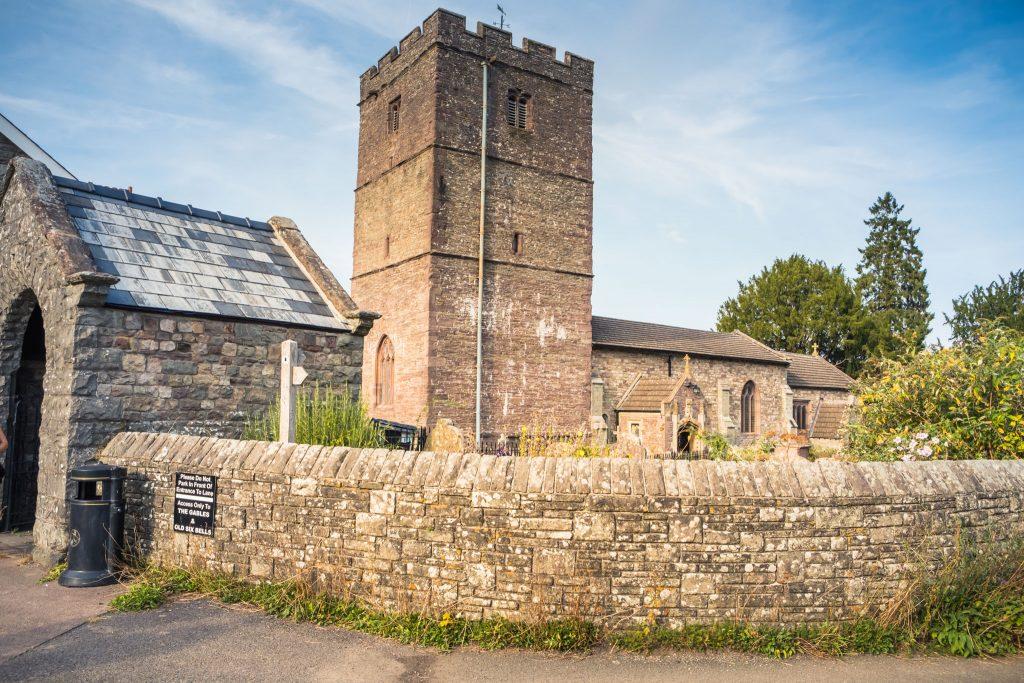 St Catwg's Church Llangattock, Tania Miller Photography, Crickhowell Wedding Photographer
